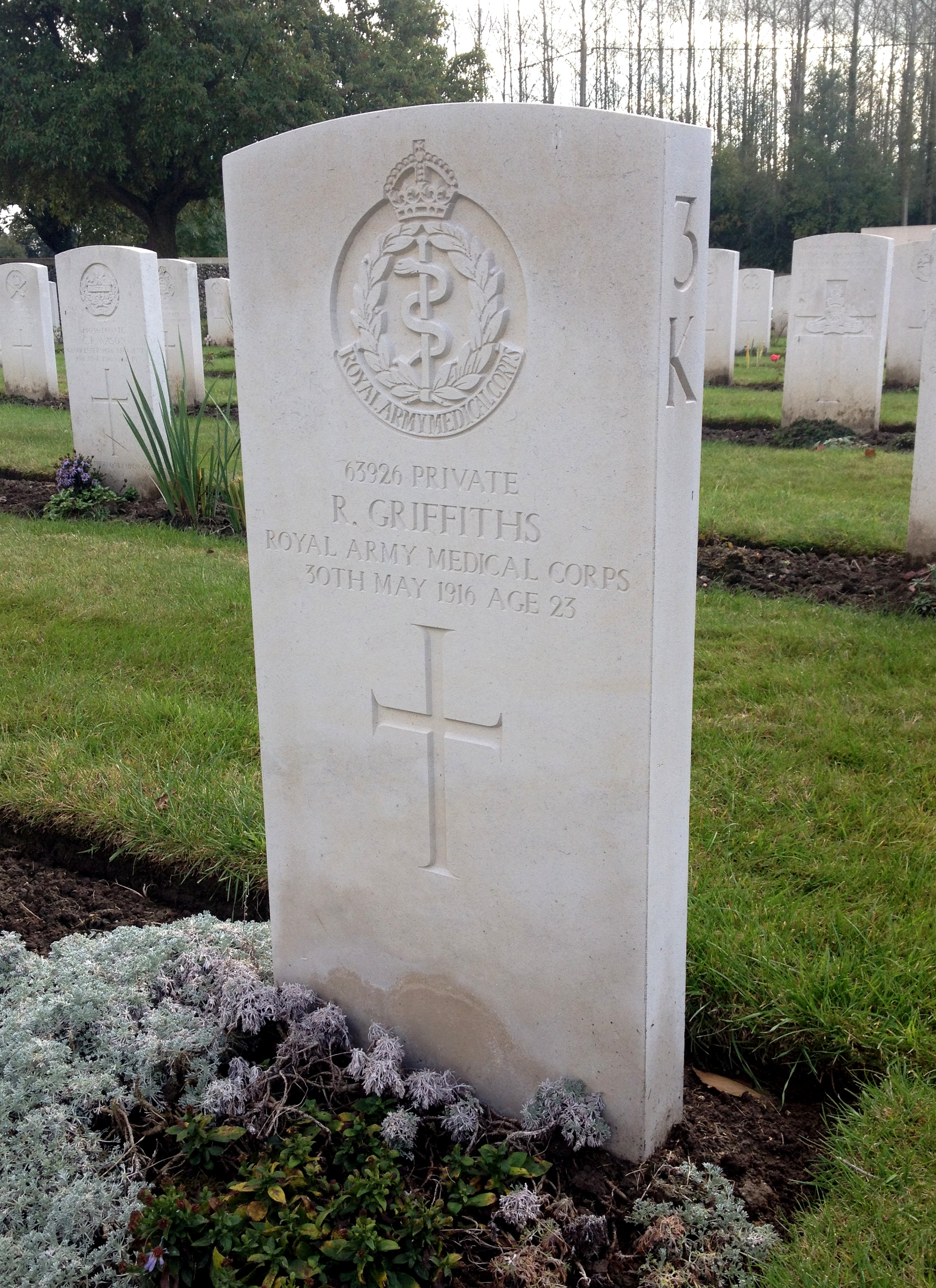 Grave of Pte Rhys Griffiths, 106 Field Ambulance RAMC at St. Vaast Post Military Cemetery, Richebourg L'Avoué