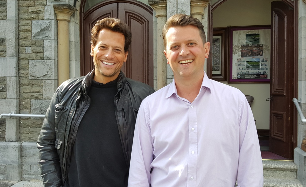Ioan Gruffud & I outside the church in Pontyberem